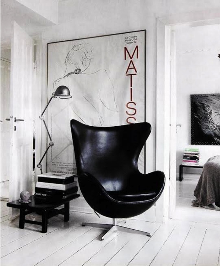 cadeira egg couro