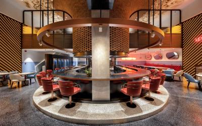 Restaurante Atmosfire em Dubai. Clássico e moderno.